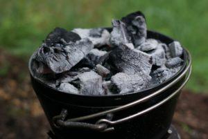 ダッチオーブン 上炭